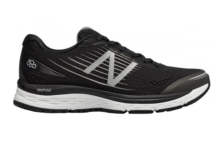 New Balance Women's 880v8 Shoe (Black/White, Size 7)