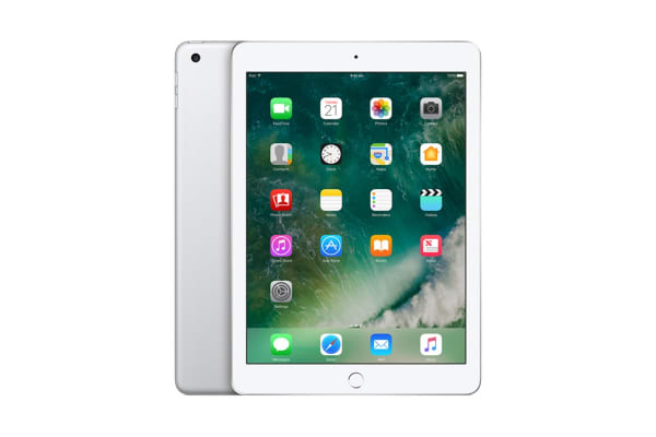 Apple iPad (128GB, Wi-Fi, Silver)