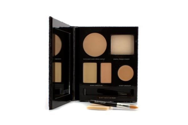 Laura Mercier The Flawless Face Book - # Nude (1x Creme Compact, 1x Pressed Powder w/ sponge, 1x Secret Camouflage...) (5pcs)