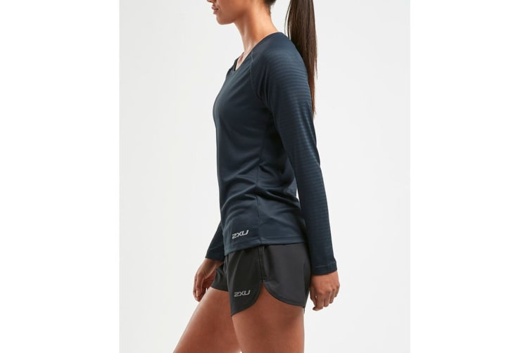 2XU Women's XVENT Long Sleeve Top (Outer Space, Size XS)