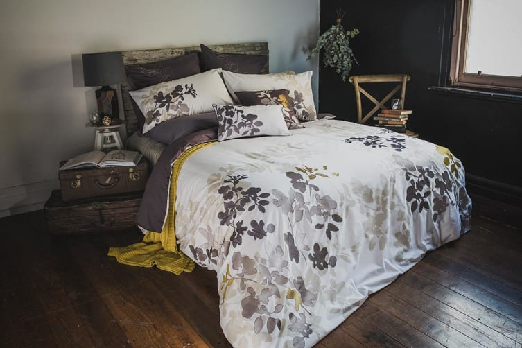 Bambury Ivy Embroidered Quilt Cover Set - 100% Cotton - Single