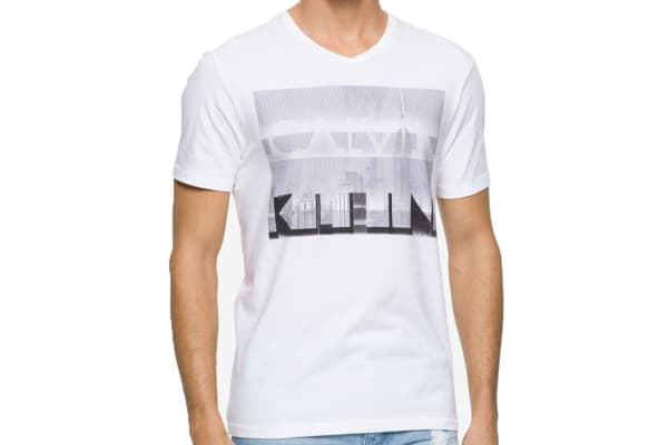 Calvin Klein Jeans Men's Logo City V-Neck Tee (White, Small)