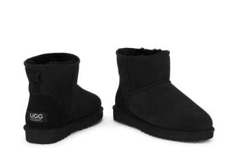 Ugg Outback - 100% Sheepskin Classic Mini (Black)