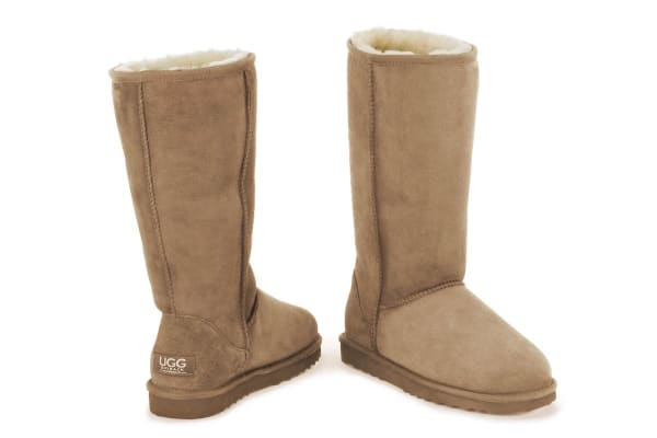 Ugg Outback - 100% Sheepskin Classic Long (Chestnut, Size 7M / 8W US)