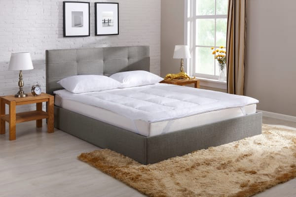 Ovela Goose Down and Feather Mattress Topper (Queen)