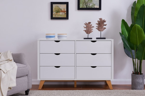 Ovela Chest Of 6 Drawers Finse Collection White