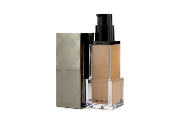 Burberry Sheer Luminous Fluid Foundation - # Trench No. 08 (30ml/1oz)