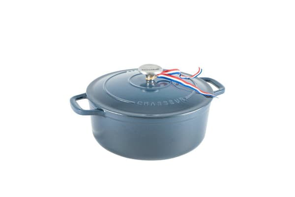 Chasseur Round French Oven 24cm - 3.8L Liquorice Blue
