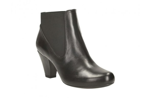 Clarks Women's Coolest Babe Ankle Boot (Black Leather, Size 9 US)