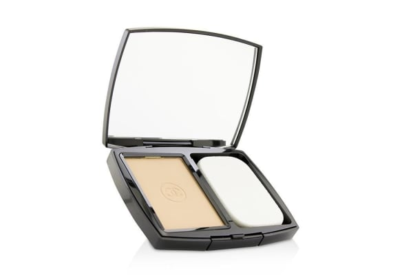 Chanel Le Teint Ultra Ultrawear Flawless Compact Foundation Luminous Matte Finish SPF15 - # 30 Beige 13g/0.45oz