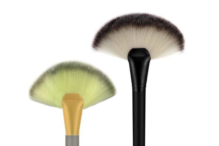 2Pcs Large Fan-Shaped Cosmetic Brushes With High Quality Finish - 2Pcs 2Pcs