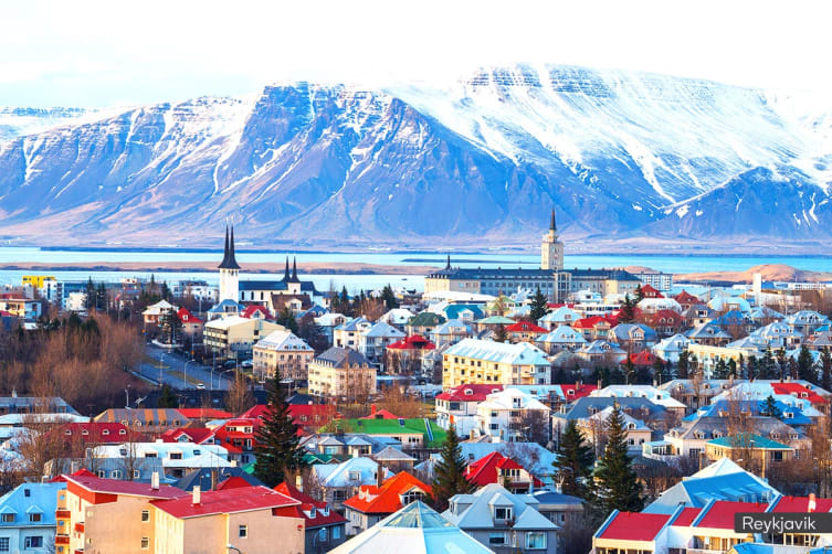 ICELAND: 10 Day Northern Lights Tour Including Flights for One