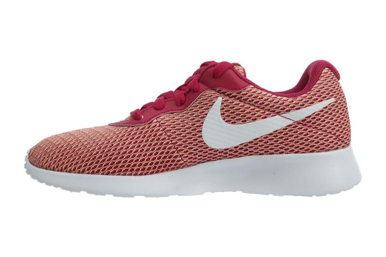 Nike Women's Tanjun SE Shoes (Sport Fuchsia/White, Size 6.5 US)