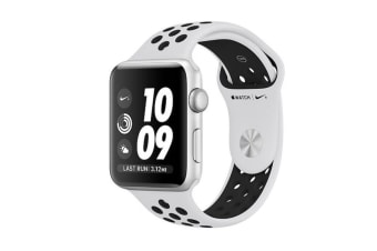 Apple Watch Series 3 (Silver, 42mm, Pure Platinum/Black Nike Sport Band, GPS Only)