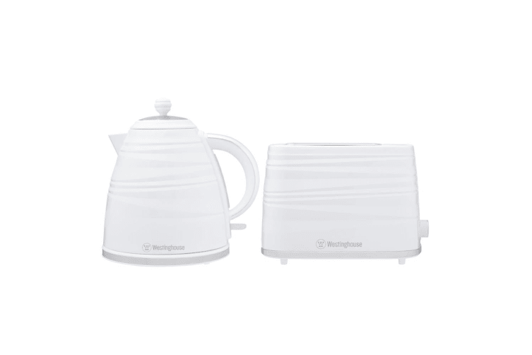 Westinghouse Electric 1.7L 930W Kettle & 2200W 2 Slice Bread Toaster Set White