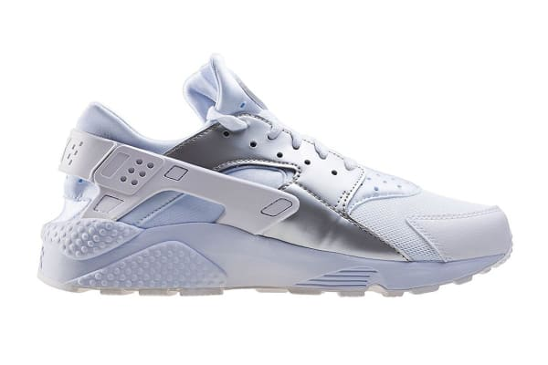 3d9ad0244e2fe Nike Men s Air Huarache Run Running Shoe (White Metallic Silver ...