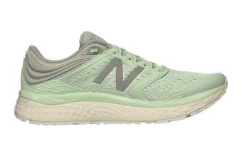 New Balance Women's 1080v8 Shoe (Light Green, Size 10)