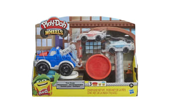 Play Doh Wheels Tow Truck Toy with 3 Colours