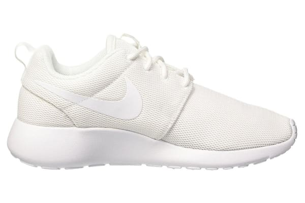 Nike Women's Roshe One Low Shoe (White/Pure Platinum, Size 11.5)