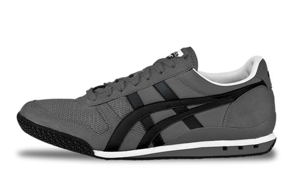 Onitsuka Tiger Men s Ultimate 81 Sneaker (Charcoal Black 55330f0ee45