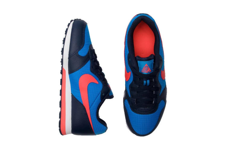 Nike MD Runner 2 (Blue/Bright Crimson, Size 5Y US)