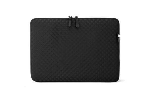 "Booq Notebook Case - Taipan Spacesuit 15"" - Black"