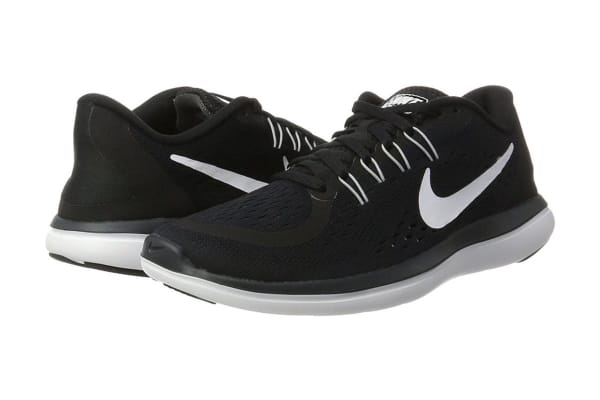 Nike Women's Flex RN 2017 Running Shoe (Black/White, Size 8)