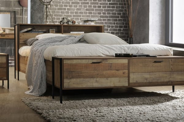 Mascot Bed with Storage (Queen, Oak Colour)