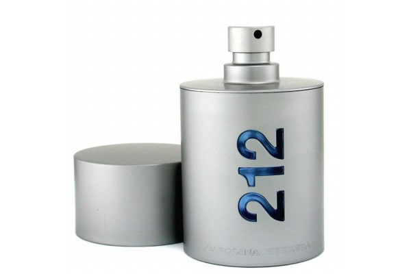 Carolina Herrera 212 NYC Eau De Toilette Spray (50ml/1.7oz)