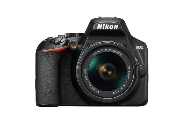 Nikon D3500 with AF-P 18-55mm VR Lens