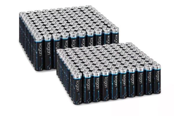 200 Pack Kogan QuantuMAX Mixed Alkaline Batteries (100 x AA + 100 x AAA)