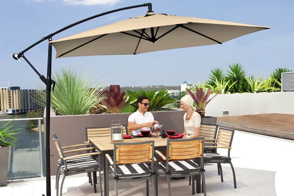 Milano 3 Metre Cantilever Outdoor Umbrella with Bonus Protective Cover (Beige)
