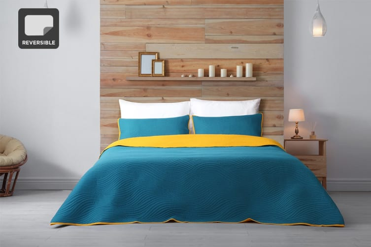 Ovela Hazel Embossed Reversible Coverlet Set (Teal/Mustard)