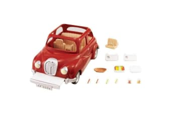 Sylvanian Families Red Family Saloon Car