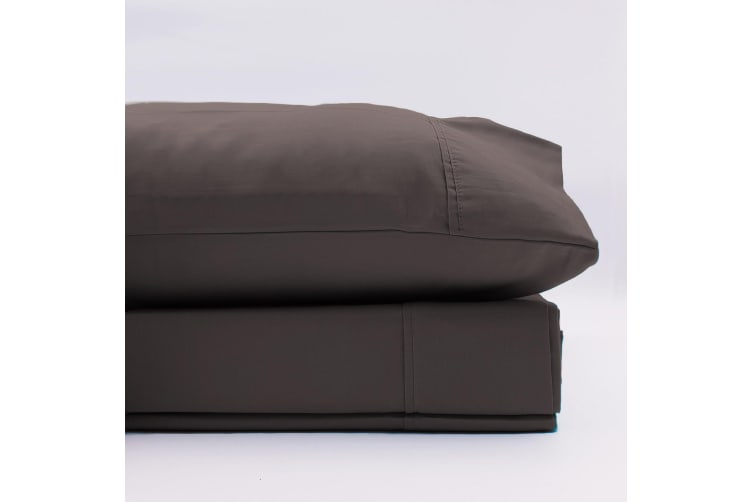 Renee Taylor 1500 Thread Count Pure Soft Cotton Blend Flat & Fitted Sheet Set - Queen - Dusk Grey