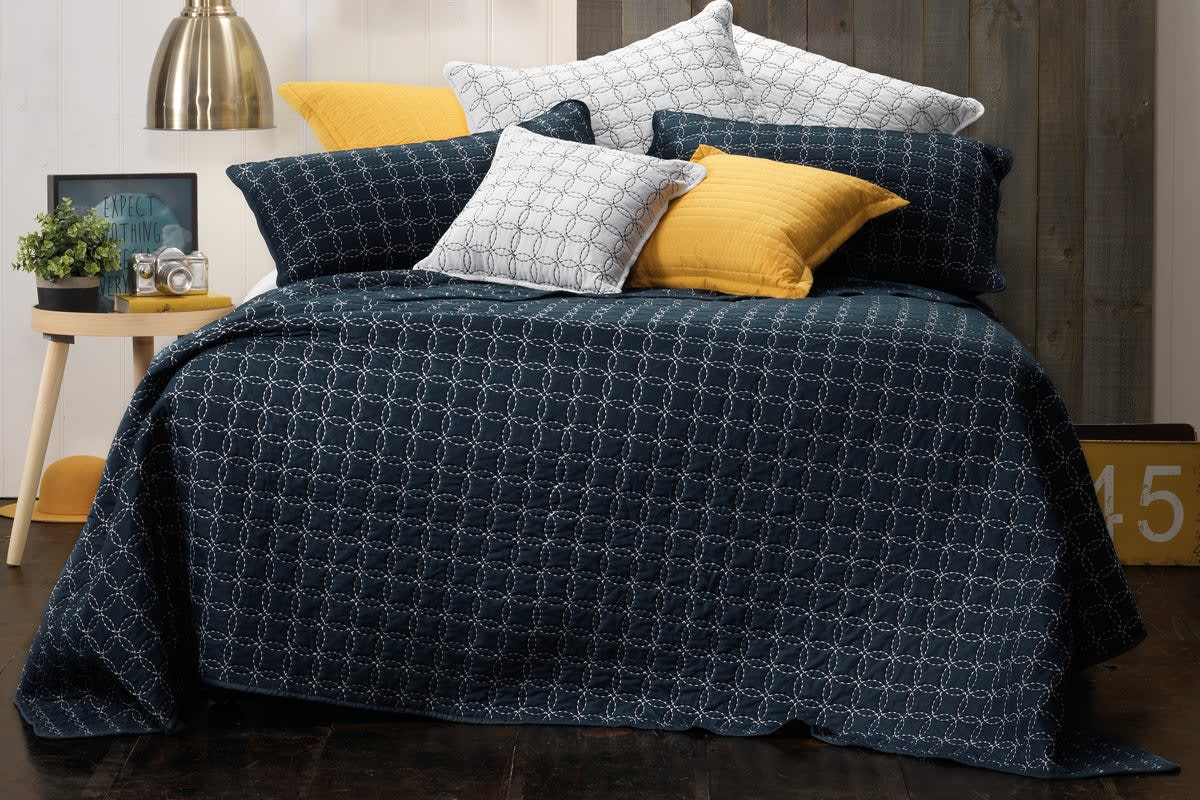 Bianca Clarence Bedspread (Single Bed)
