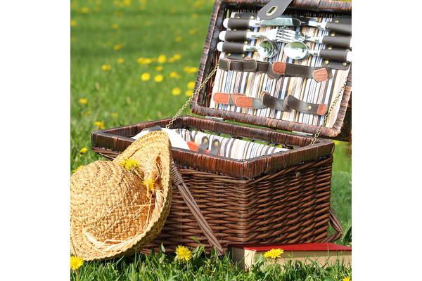 Wicker 4 Person Picnic Basket with Folding Handle BA2010
