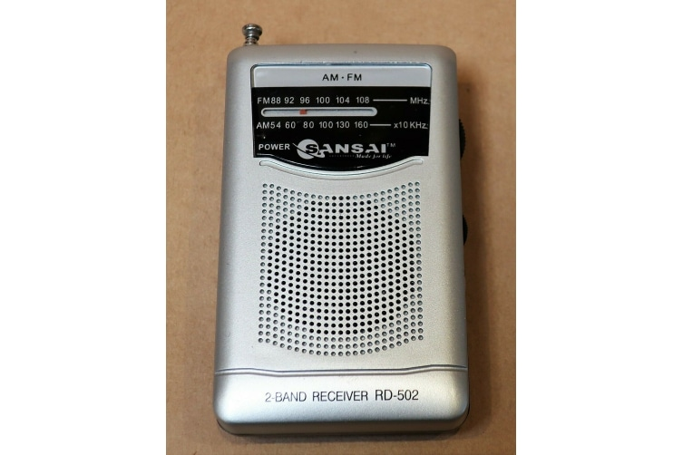 Sansai Portable Pocket AM FM Radio Speaker stereo Earphone Plug