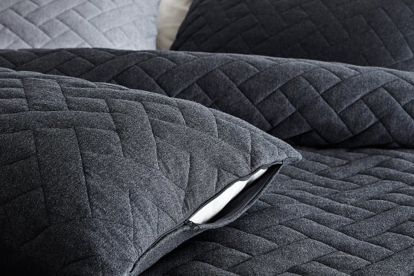 Gioia Casa Quilted Jersey Quilt Cover (Super King, Black Marble)