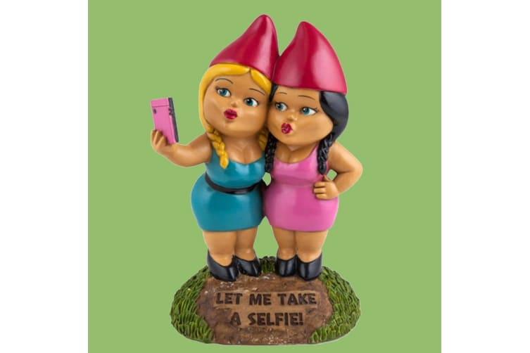 The Selfie Sisters Garden Gnome   Hilarious & Quirky Talking Piece!