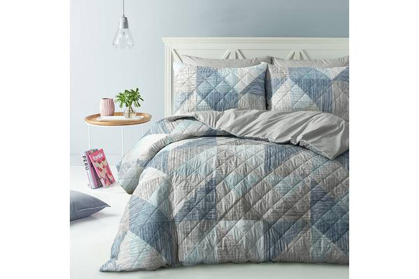 Park Avenue Microfiber Pinsonic Quilted Quilt cover set King Geo Lines - Reversible