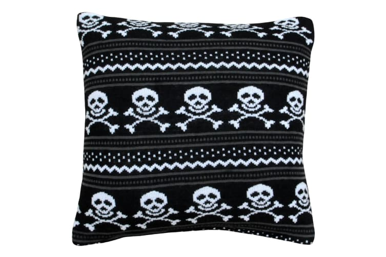 Riva Home Knitted Skull Cushion Cover (Black) (45 x 45cm)