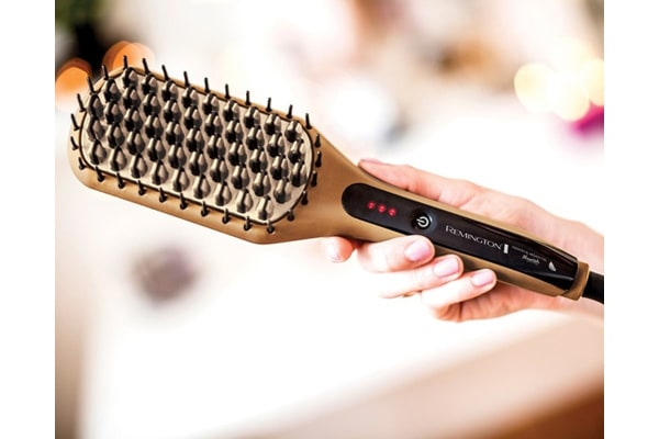 Remington Keratin & Argan Oil Nourish Hair Straightening Brush (CB7400AU)