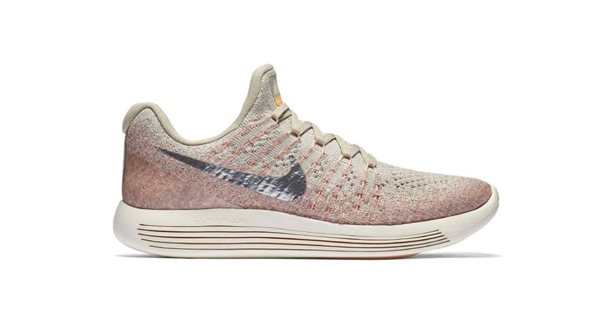 279d51ca62d Nike Women s LunarEpic Low Flyknit 2 Running Shoe (Silver Sunset Glow
