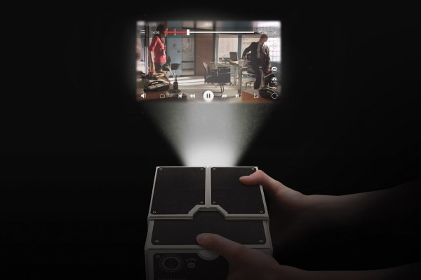 Luckies Smartphone Projector 2.0 - Black