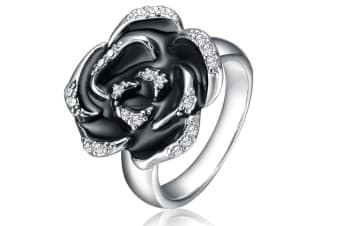 Mestige Kiss By a Rose Ring