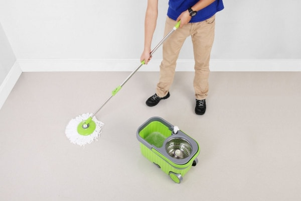 kogan premium 360 spin mop with dispenser and 5 mop heads kogan com