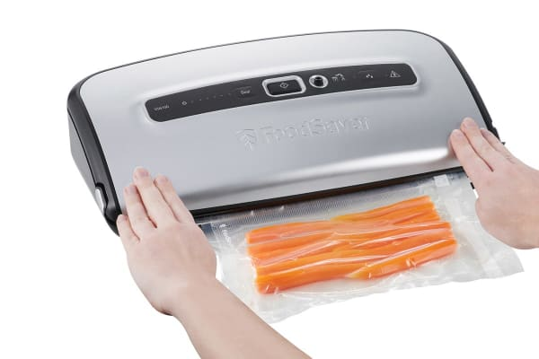 Sunbeam FoodSaver Urban Series Cut & Seal Vacuum Sealer (VS6100)