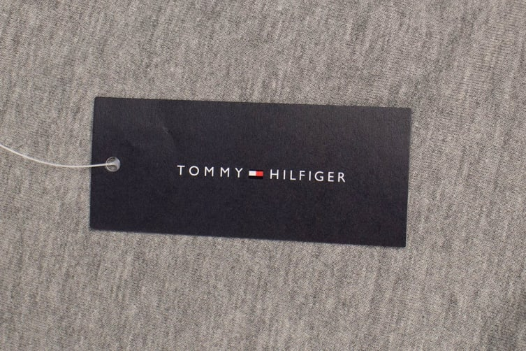 Tommy Hilfiger Men's Modern Essentials Flag Hoodie (Grey Heather, Size XL)