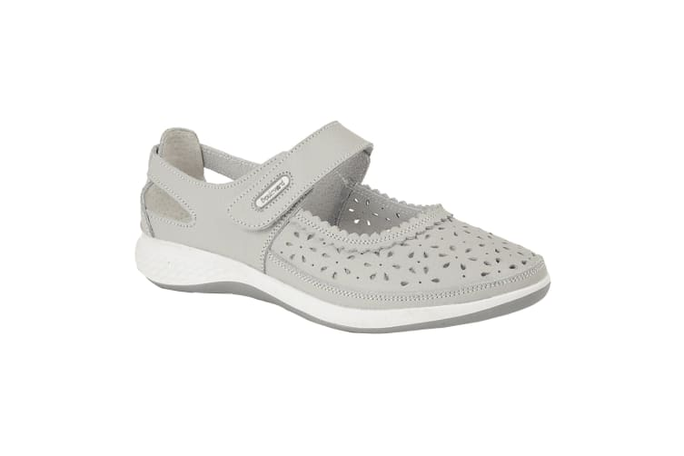 Boulevard Womens/Ladies Wide Fitting Window Back Punched Bar Shoes (Light Grey) (9 UK)